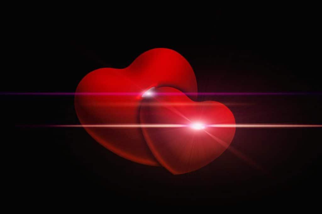 אהבה בקשר