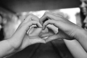 מה עושים כדי להתגבר על אהבה חד צדדית?