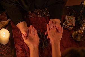 קריאה בכף היד אהבה