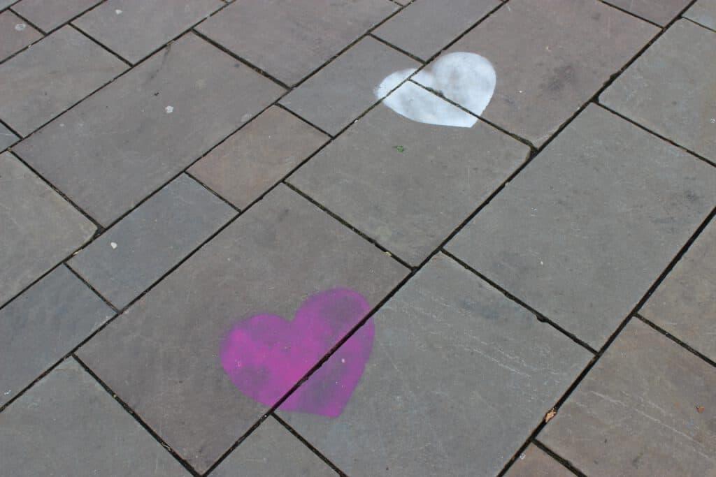 אהבה על הריצפה