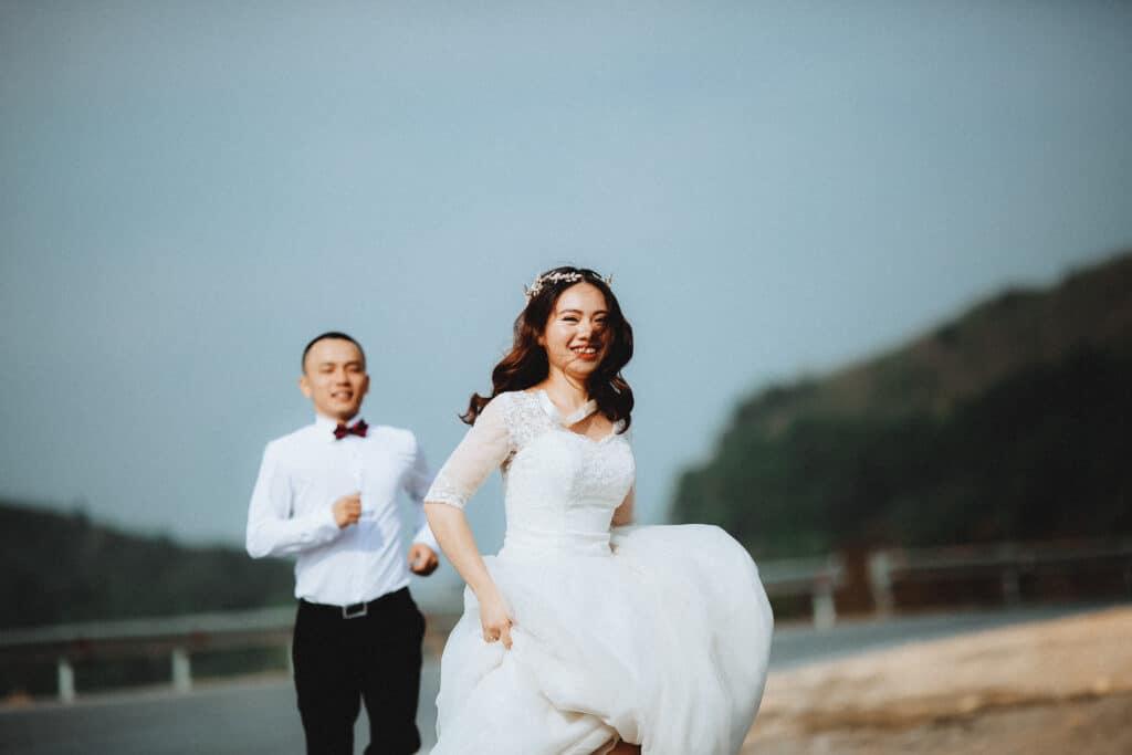 בדרך לחתונה