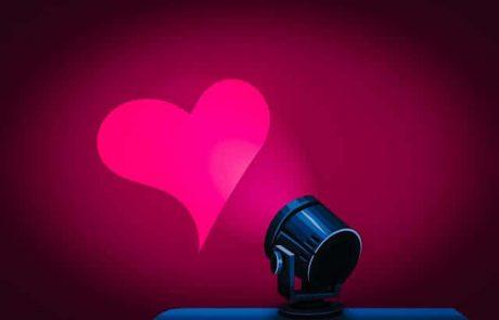 26 משפטי אהבה רומנטיים לבת זוג