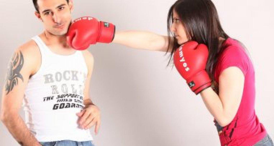 ההבדל בין קנאה בריאה לקנאה הרסנית בין בני זוג